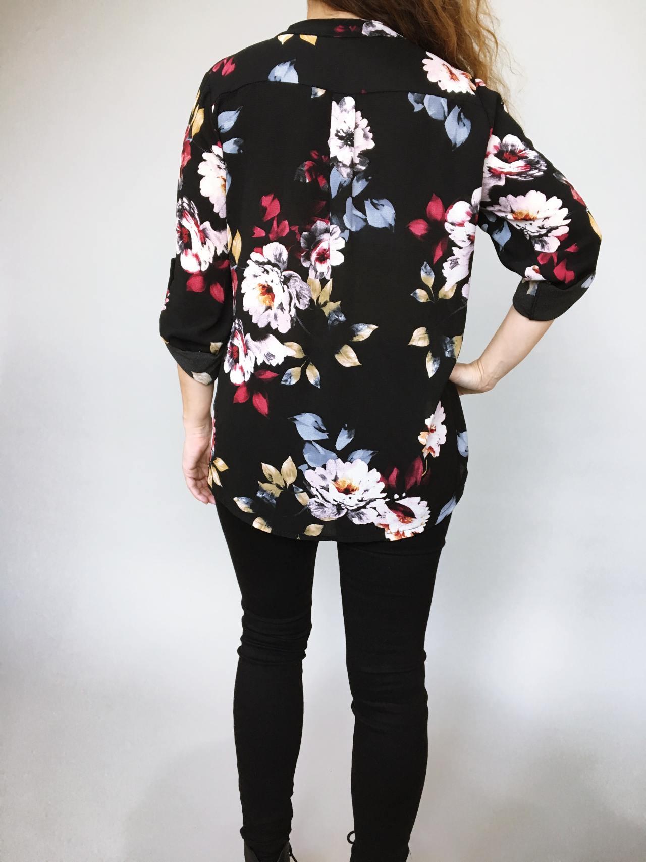 Košile s květy černá 04