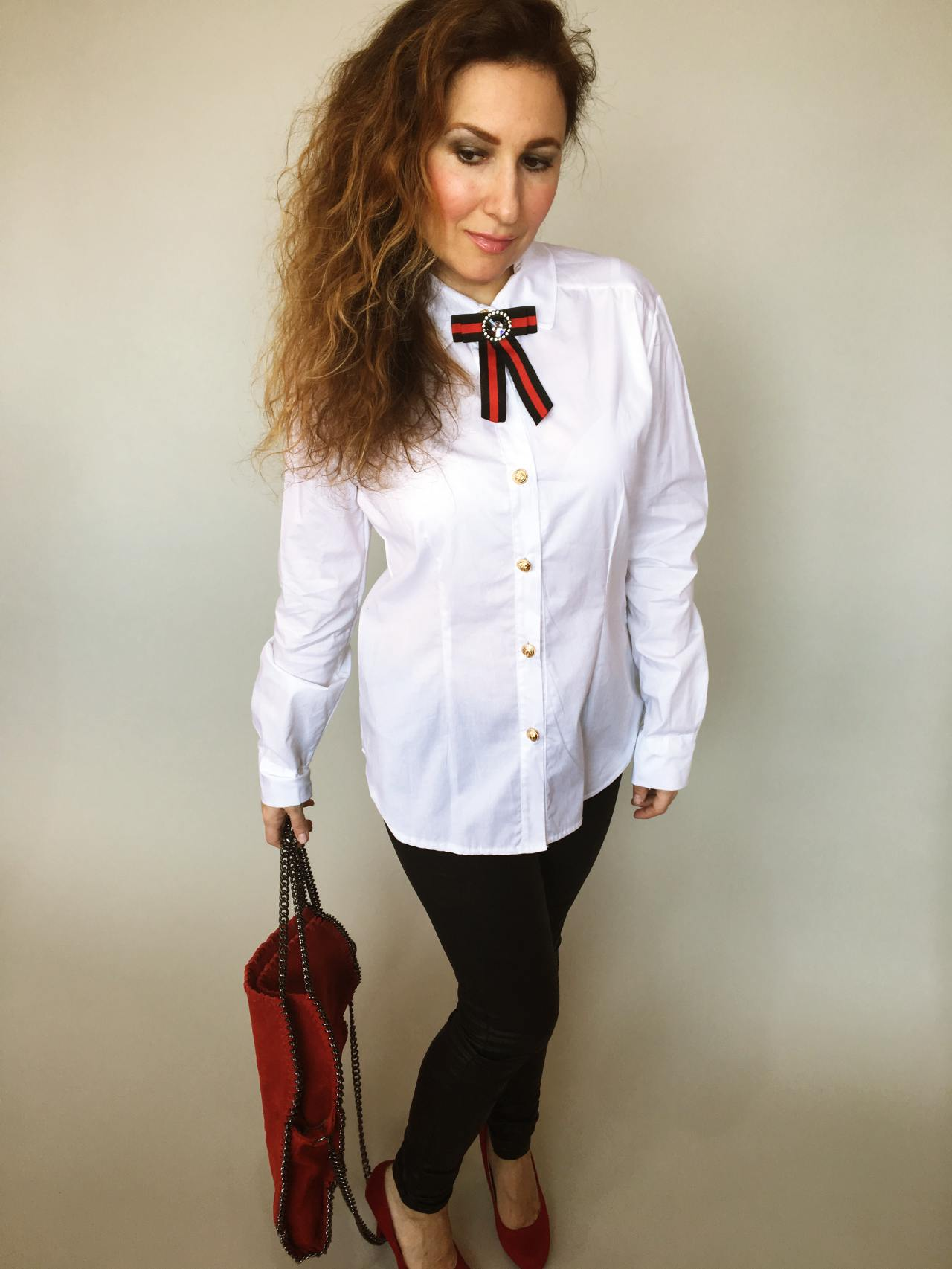 Košile s mašlí bílá 03