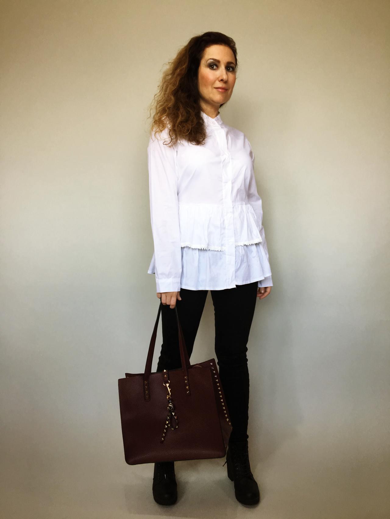 Košile s volánky bílá 01