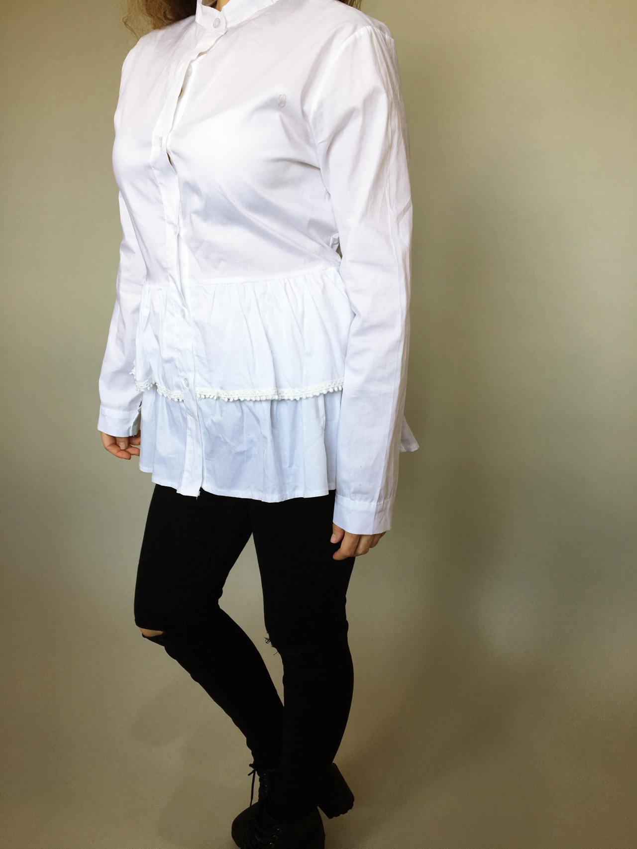 Košile s volánky bílá 03