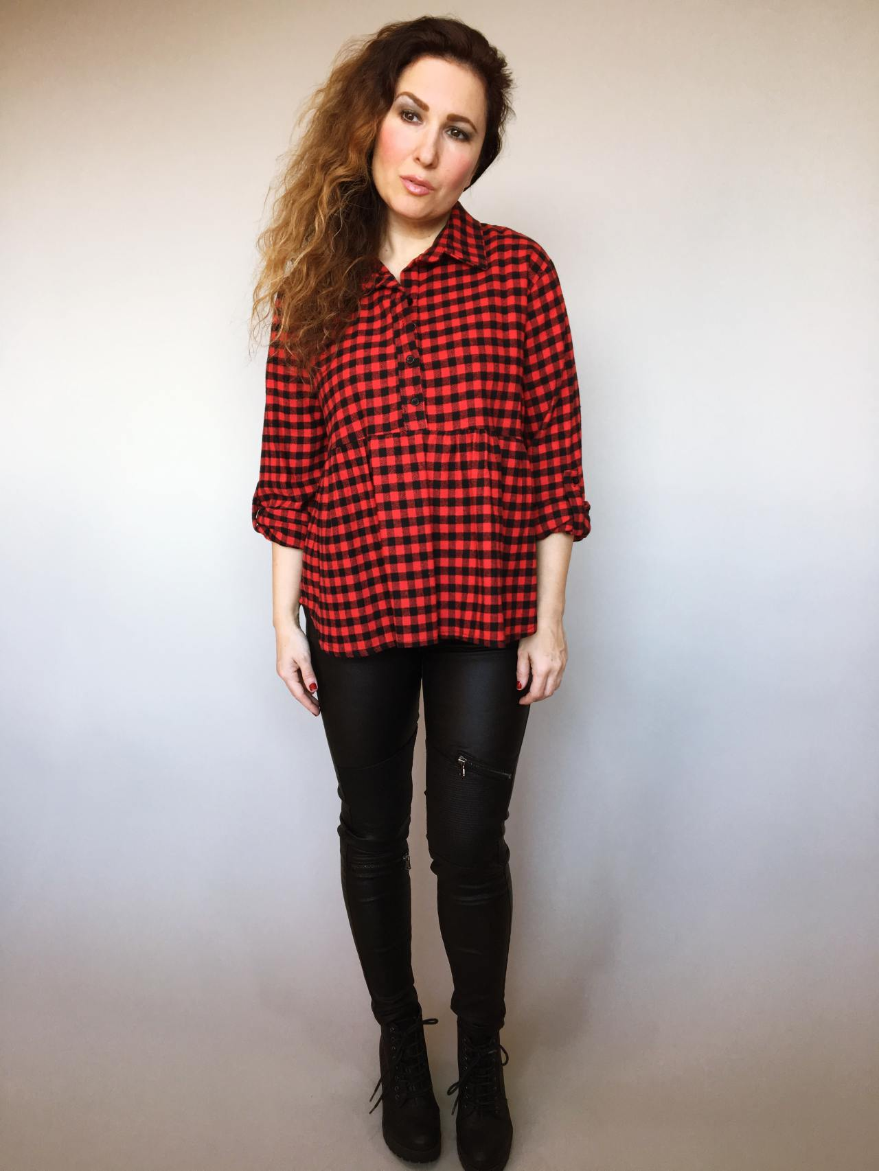 Kostkovaná košile černo – červená 01