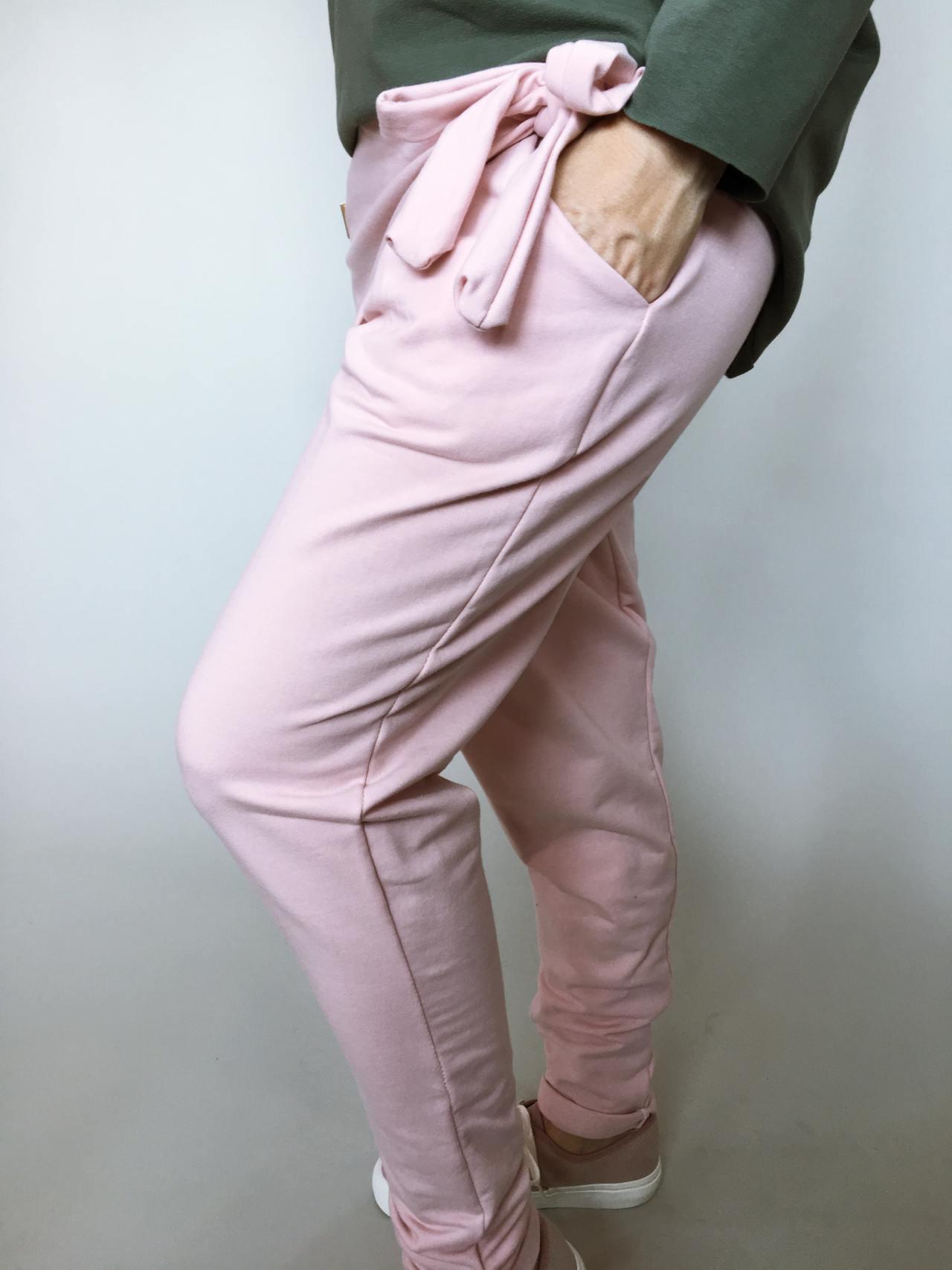 Módní kalhoty pudrové 02