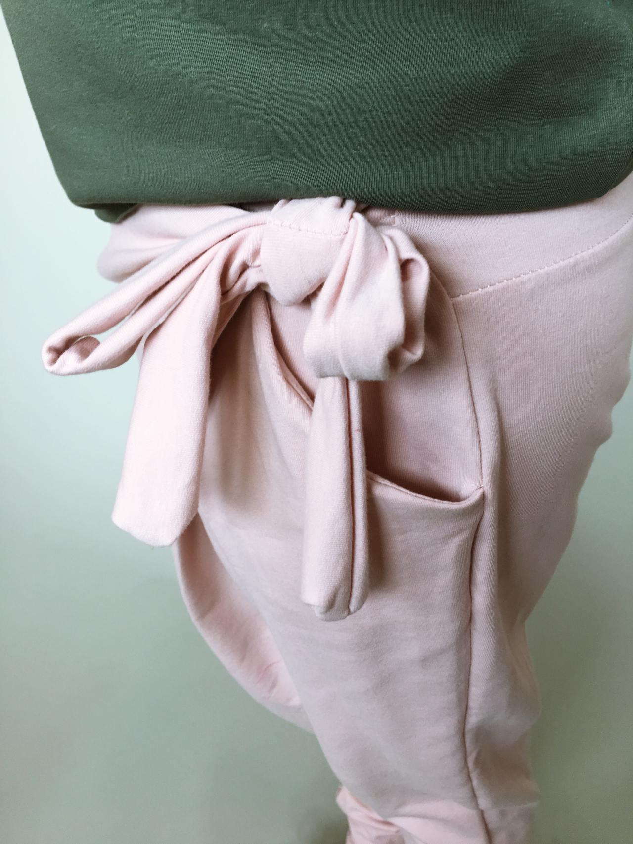 Módní kalhoty pudrové 05