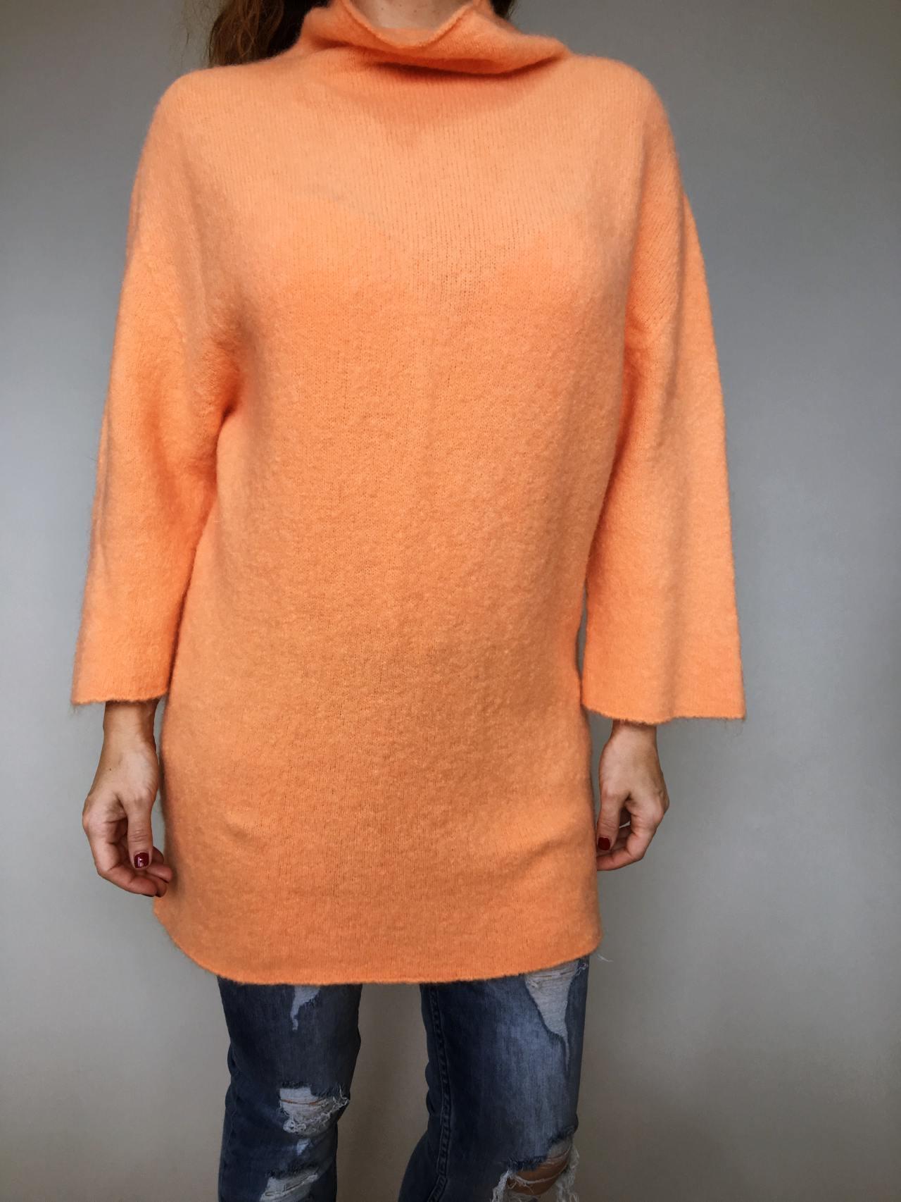 Oranžový svetr Lili 02
