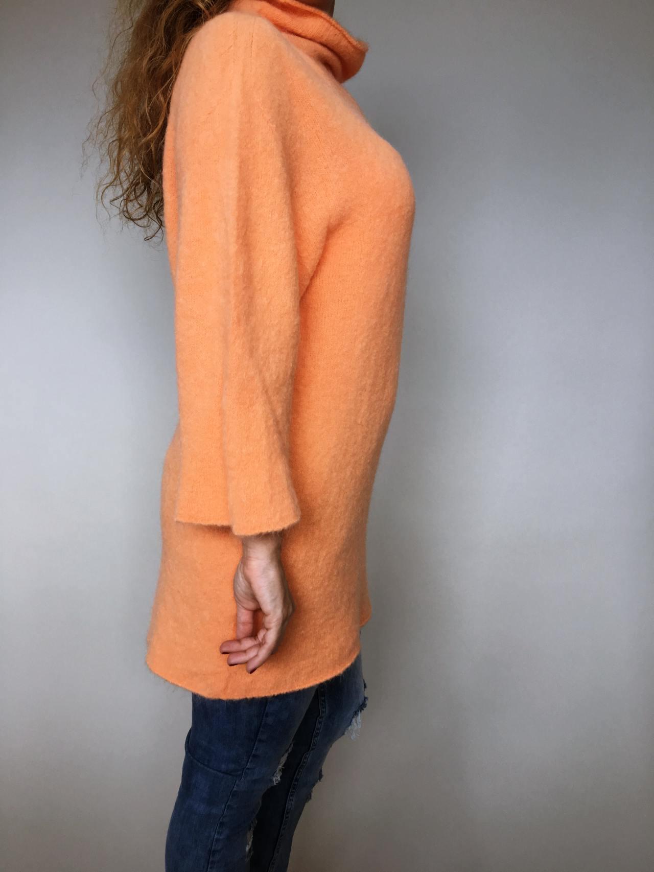 Oranžový svetr Lili 03