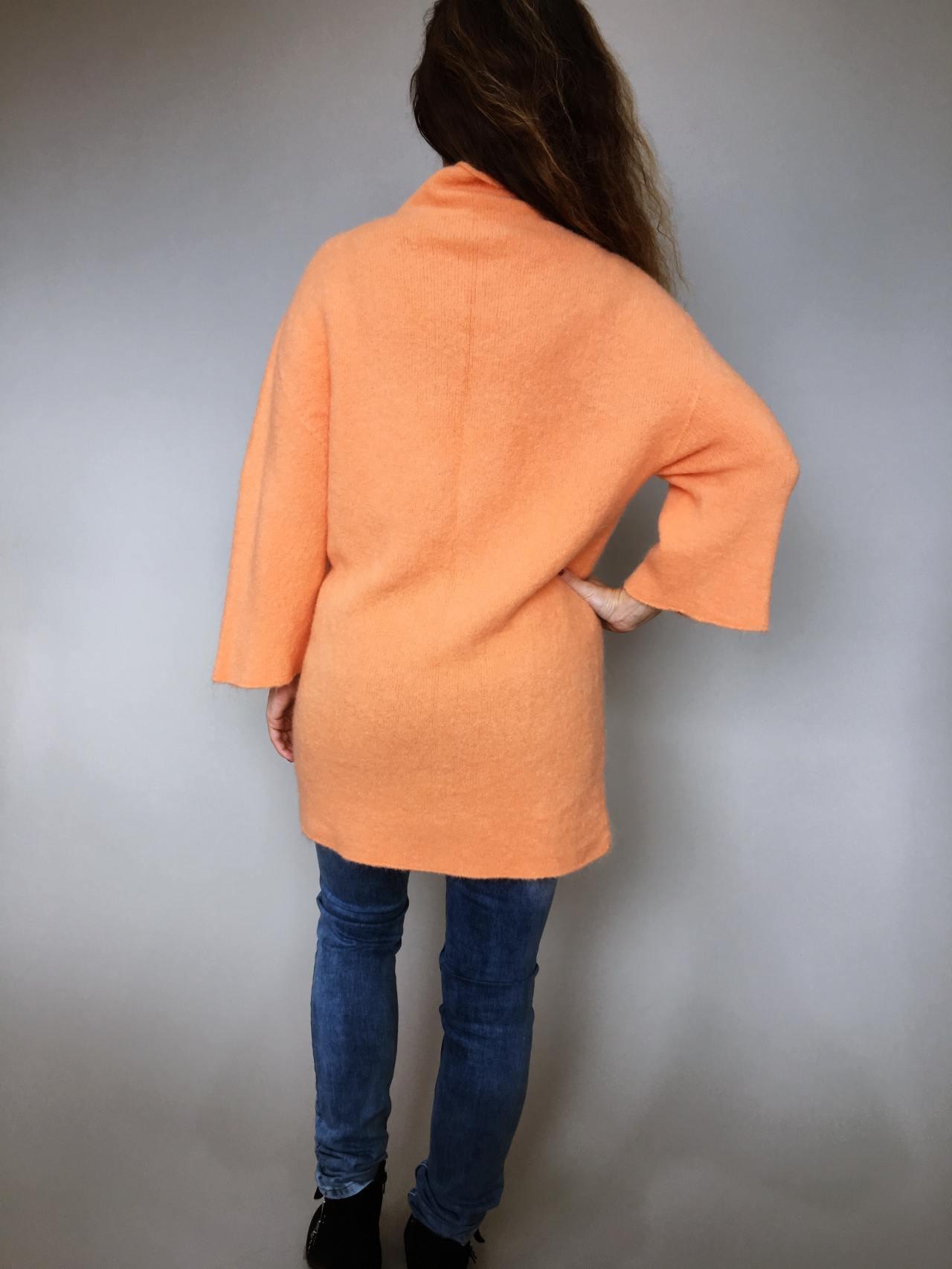 Oranžový svetr Lili 04