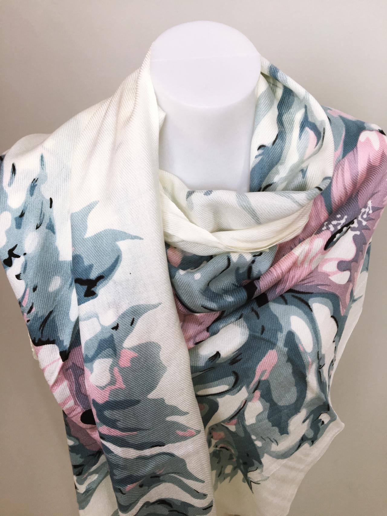Šátek Flowers krémovo modrý 02