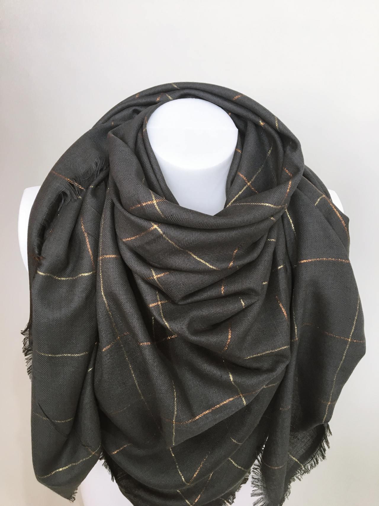 Šátek tmavě šedý 02