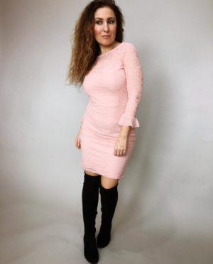 Šaty krajkové pudrové 02