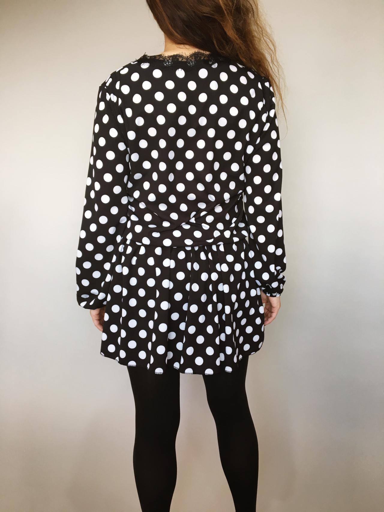 Šaty s puntíky 04