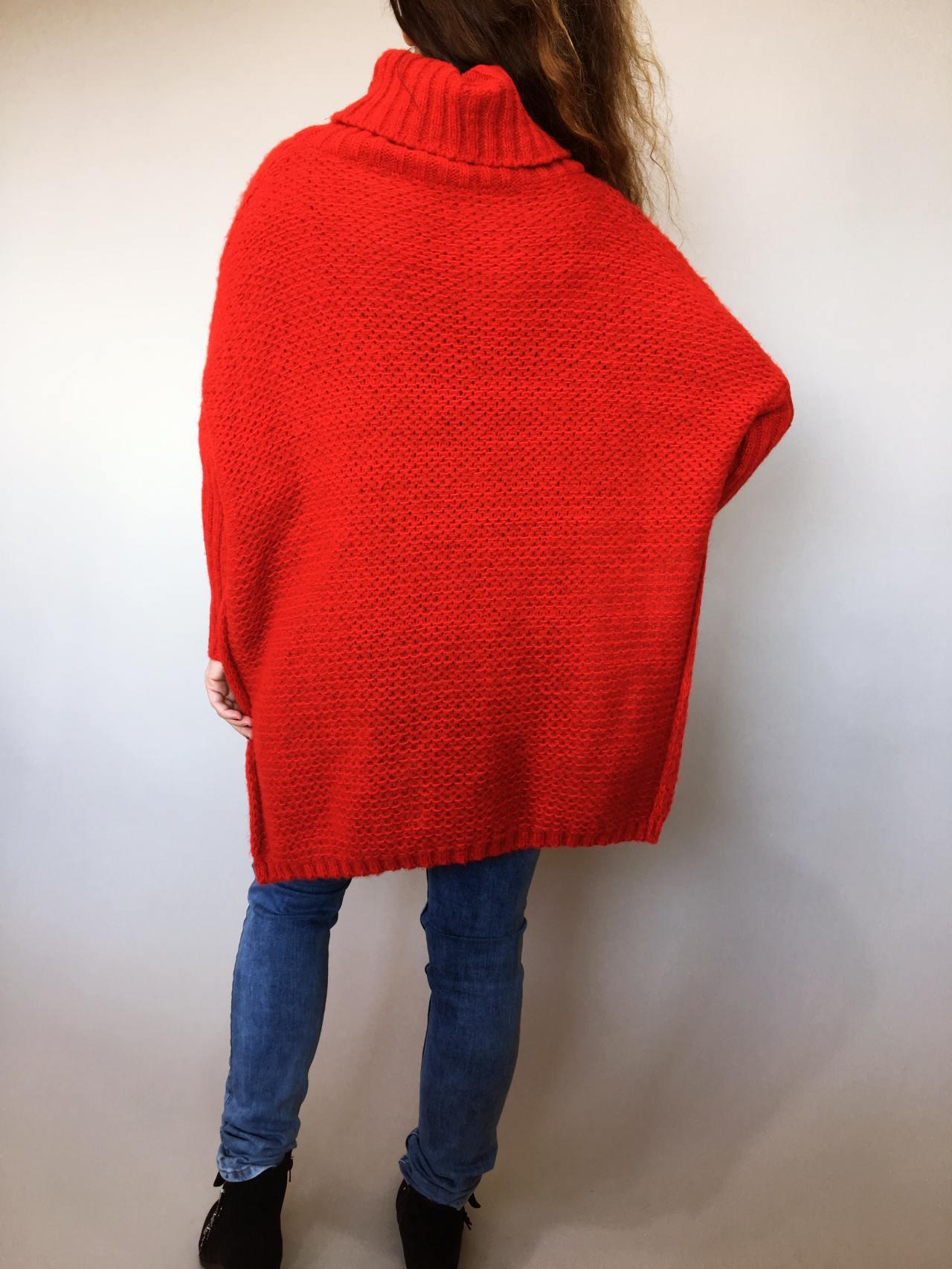 Teplý rolákový svetr červený 04