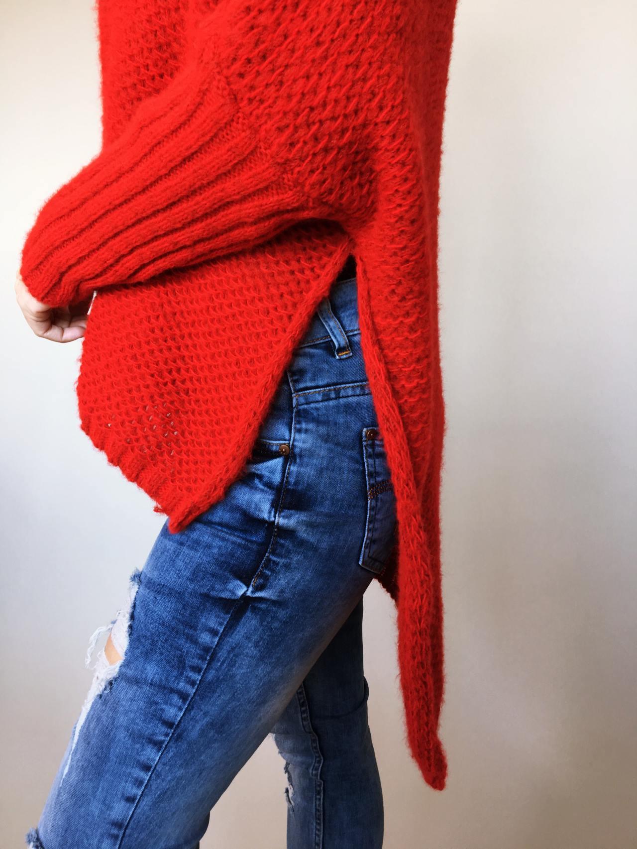 Teplý rolákový svetr červený 05