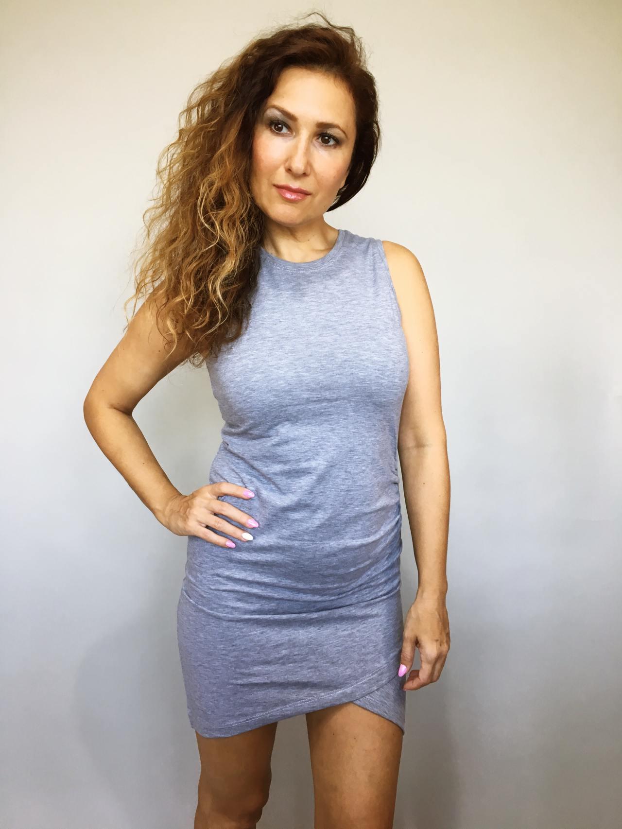 Šaty Lindsay šedé 03