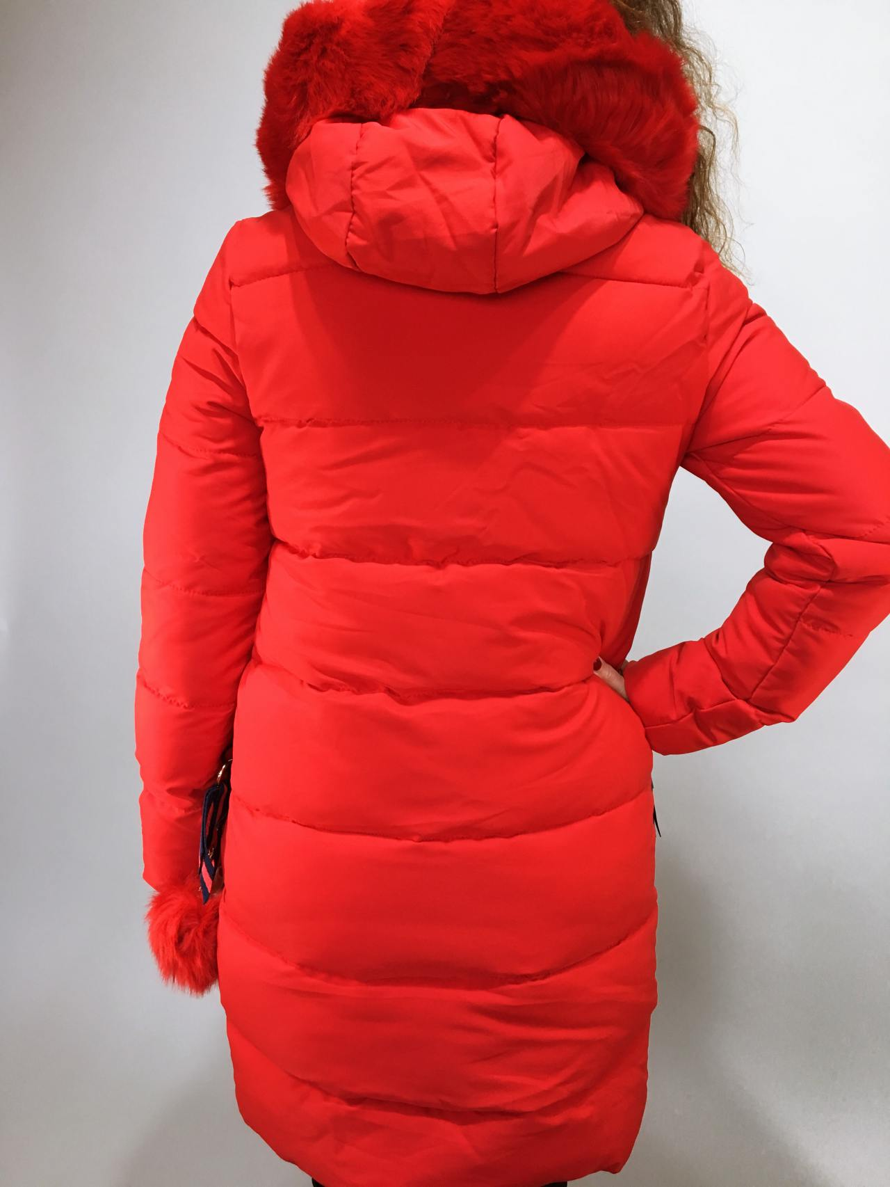 Zimní bunda s kožíškem červená 05
