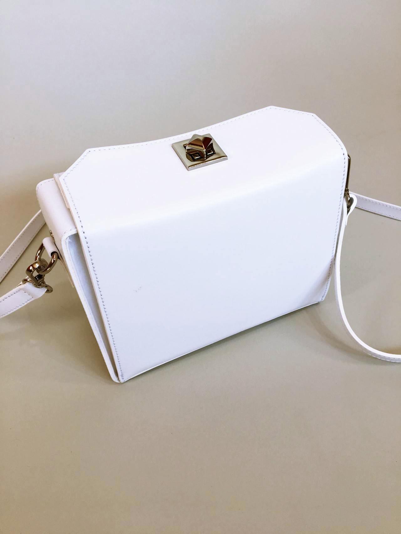 Kožená kabelka White 04
