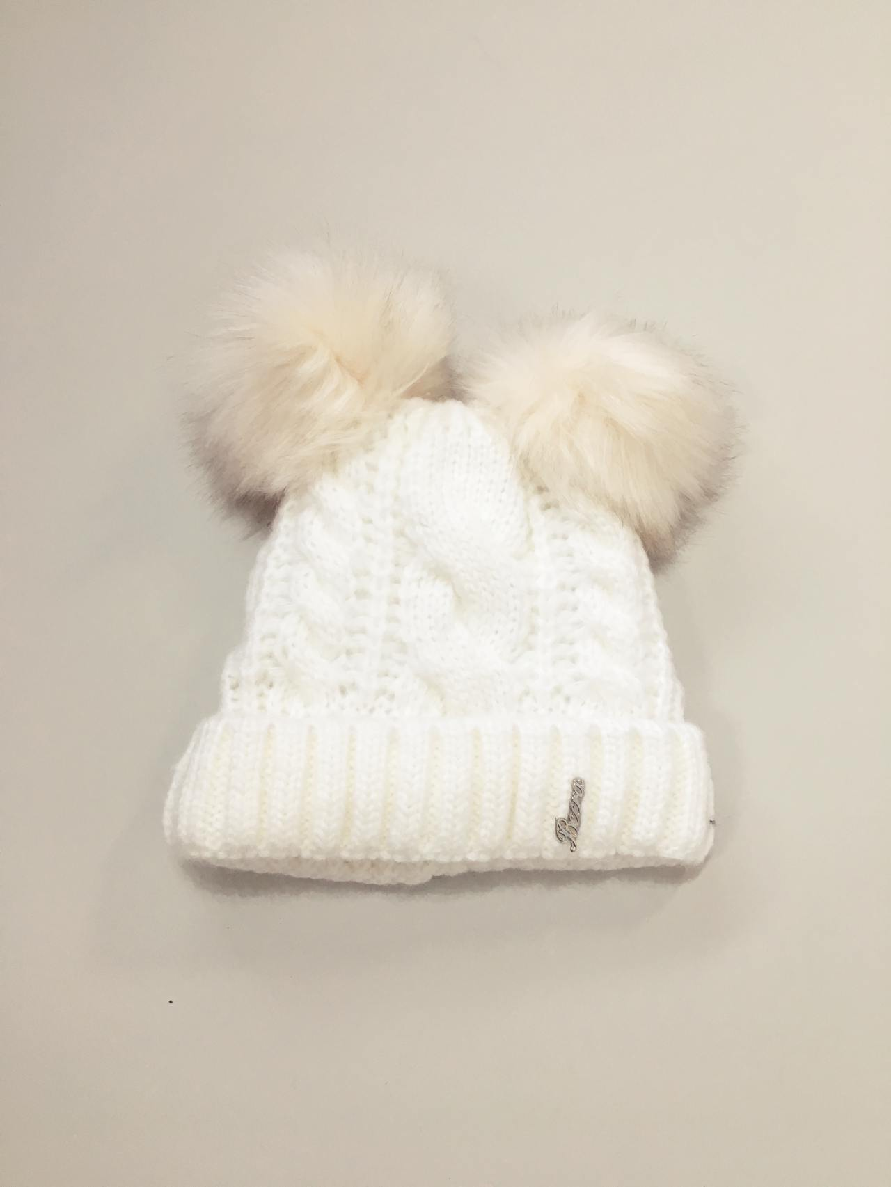 Pletená čepice s dvěma bambulemi bílá 03