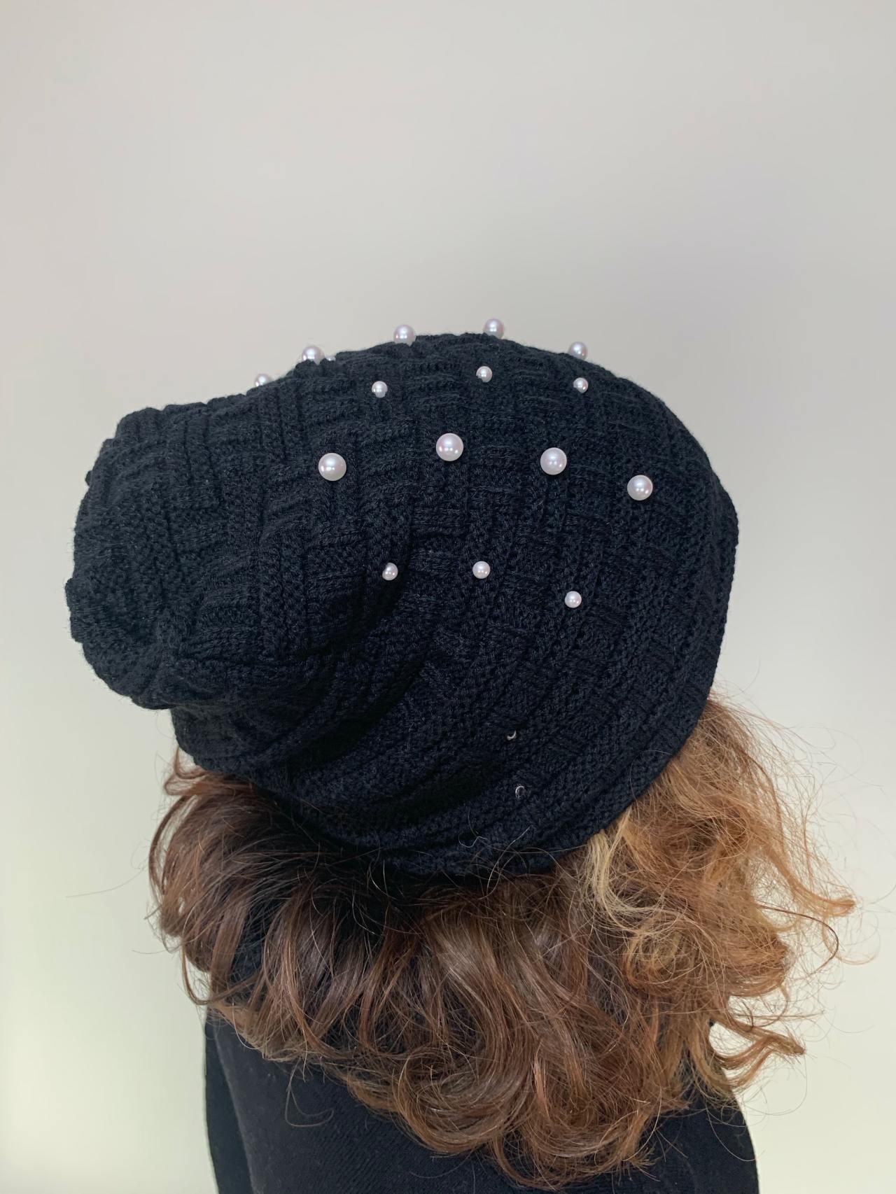 Komplet čepice a nákrčník s perličkami černý -02