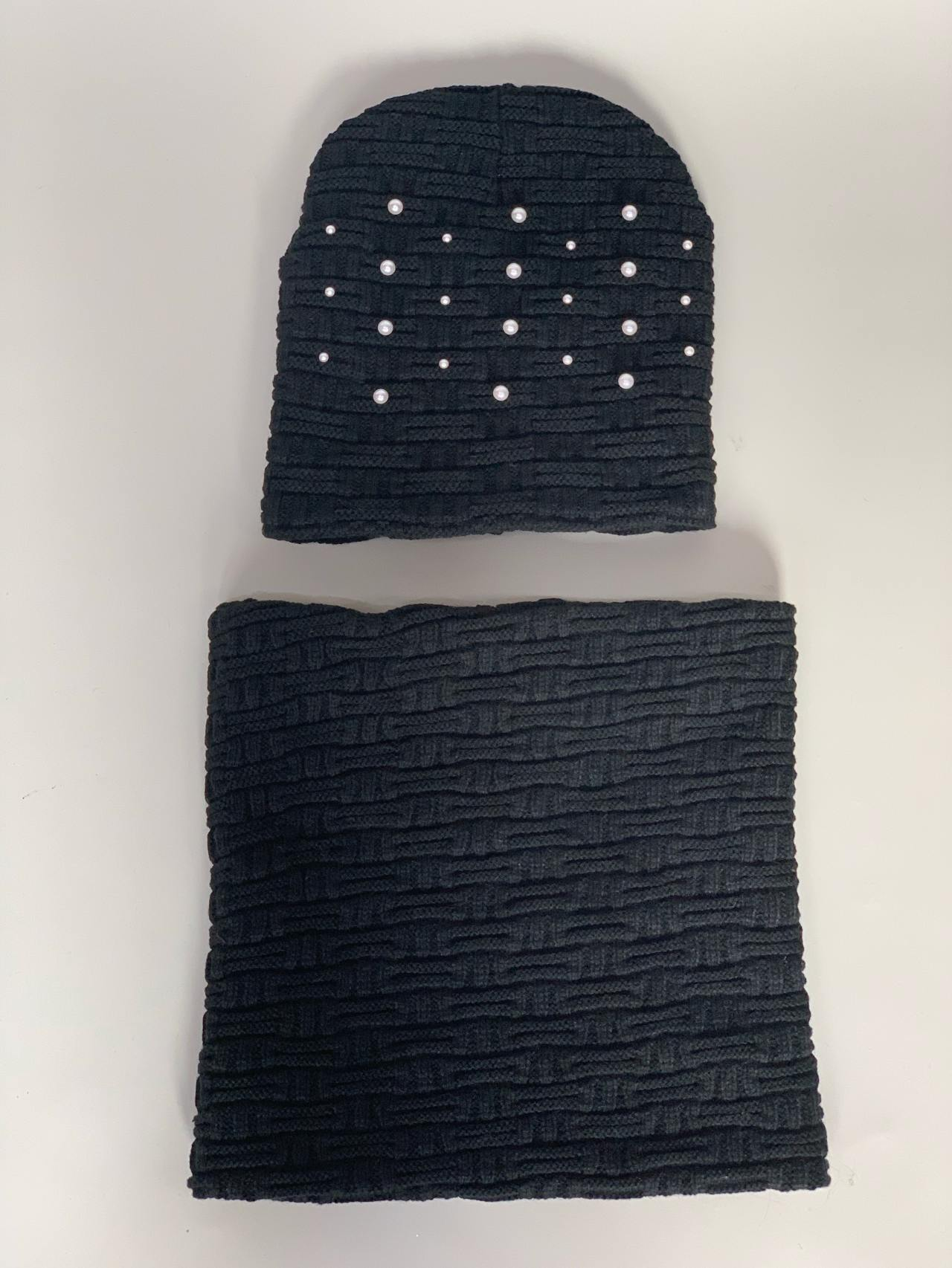 Komplet čepice a nákrčník s perličkami černý -03